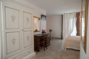 bed_breakfast_corte_immacolata_camera_peonia_taviano (1)