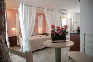 bed_breakfast_corte_immacolata_camera_peonia_taviano (5)