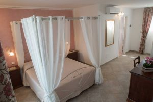 bed_breakfast_corte_immacolata_camera_peonia_taviano