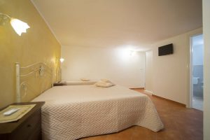 bed_breakfast_corte_immacolata_camera_tulipano (4)